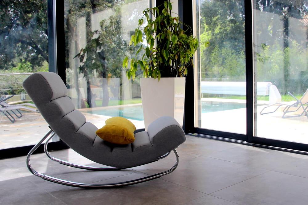 location saisonnière maison vacances avec piscine privée salon meuble tout confort Prades le lez
