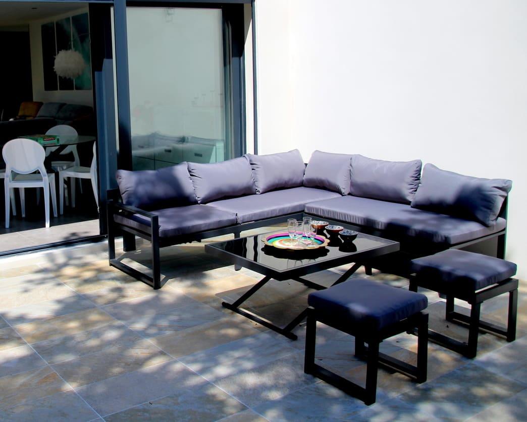 salon extérieur location saisonnière villa midi Montpellier détente en famille vacances